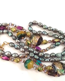 Silvery Freshwater Pearl & Ornate Bead Strand
